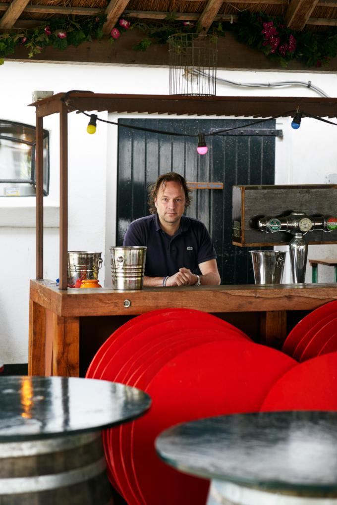 Gemakkelijk zal het voor Pim Evers, horeca-ondernemer in Amsterdam niet worden. In zijn zaken is 1,5 meter afstand houden niet zomaar te realiseren