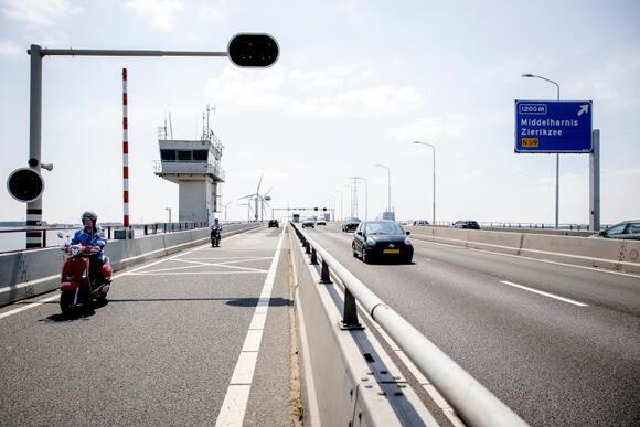 Afsluiting Haringvlietbrug: 'We zitten straks jarenlang in die ellende'