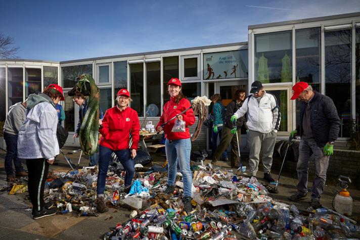 Deze ondernemers ruimden 550 kilo zwerfafval op met vrijwilligers