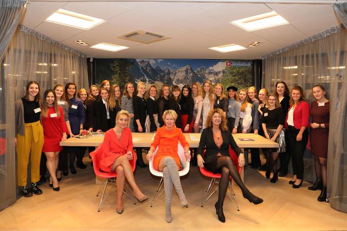 Elske Doets: 'Ambitieuze meisjes worden te vaak naar beneden gepraat' | Opinieblad Forum
