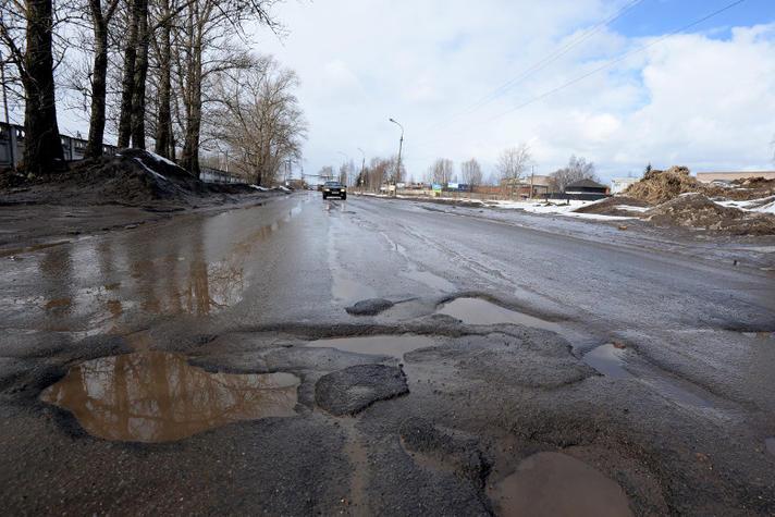 Achterstallig onderhoud: Zo zien onze wegen er straks ook uit